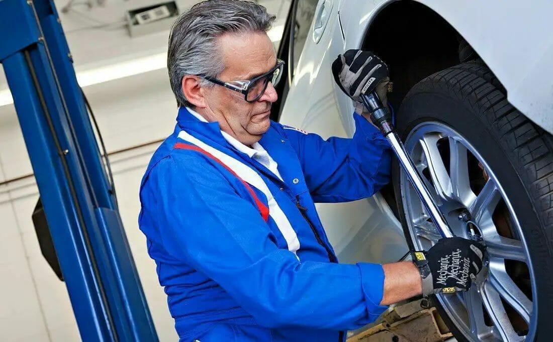 Installing & Removing Crosswind Tires
